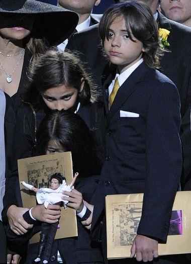 figli-michael-jackson-funerali-memorial-prince