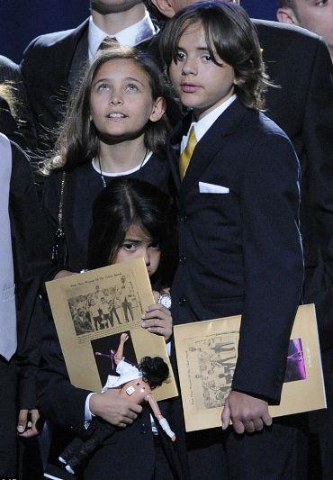 figli-michael-jackson-prince-paris-funerali
