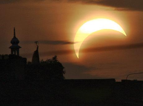 foto-eclissi-sole-asia-01