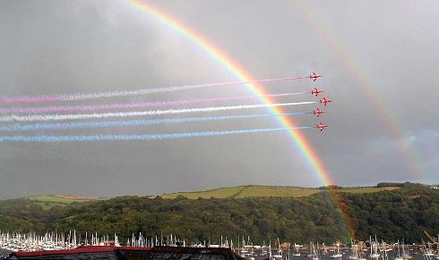 frecce-rosse-raf-foto-arcobaleno-doppio