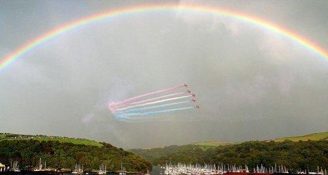 frecce-rosse-raf-foto-arcobaleno