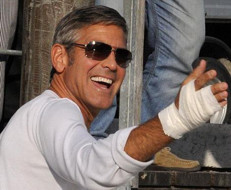 george-clooney-red-carpet-venezia-01-foto