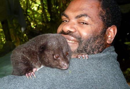 giant-rat-topo-gigante-nuova-guinea-amico