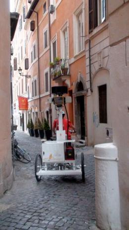 google-streetview-roma-triciclo-vicolo-centro-storico
