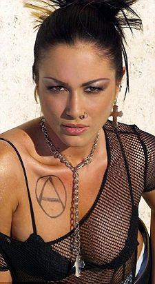 mara-carfagna-topless-model