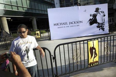 michael-jackson-preparativi-funerali-faraonici