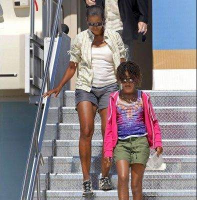 michelle-obama-air-force-one-pantaloncini