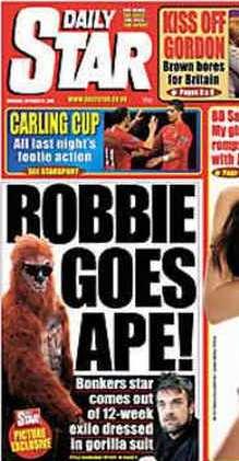 robbie-williams-impazzito-si-traveste-da-gorilla