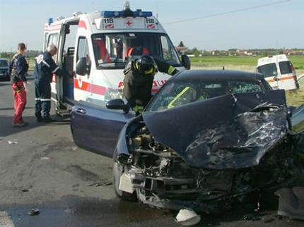sms-car-auto-rischi-pericolo-incidente
