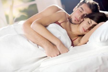 sonno-dormire-single-coppia