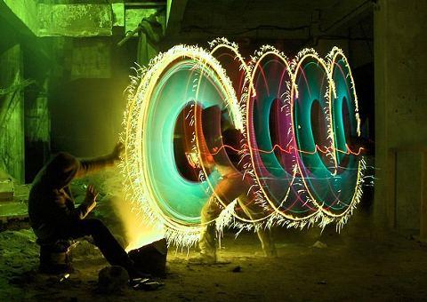 street-art-graffiti-luce-arte-Jan-Wollert-Miedza-10