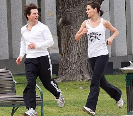 tom-cruise-katie-holmes-jogging-foto-australia