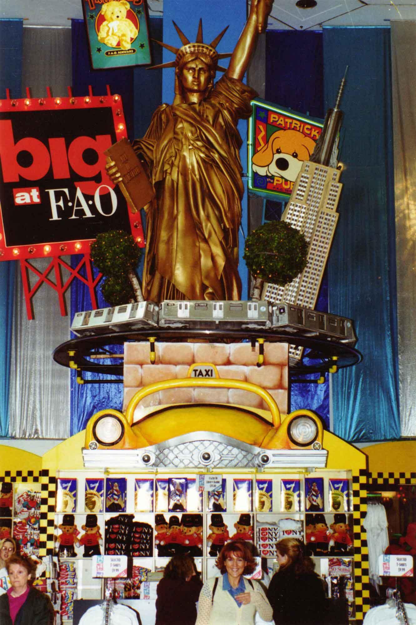 new york-fao schwartz-shopping-manhattan-fith avenue-giocattoli