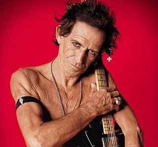 keith-richards-rolling-stones-chitarrista-leggenda-pirata-corsaro.jpg