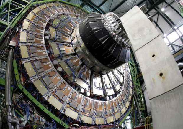 lhc-acceleratore-ginevra-particelle-big-bang-topi-bigbang.jpg