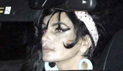 amy-winehouse-cindy-crawford-hollywood-halloween-party.jpg