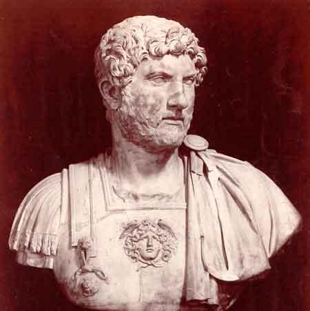 Antinoo-Antinopoli-British-Museum-imperatore-Adriano-mostra-londra.jpg