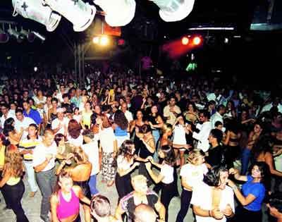 discoteca-svago-sabato-sera-divertimento.jpg