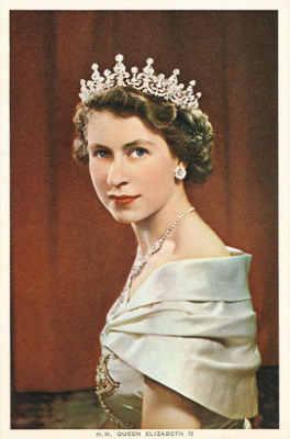 Queen-Elizabeth-Elisabetta-II-abdica-ritratto