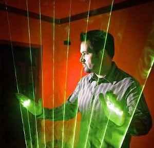 Stephen-Hobley-arpa-laser-progetto-Wiimote