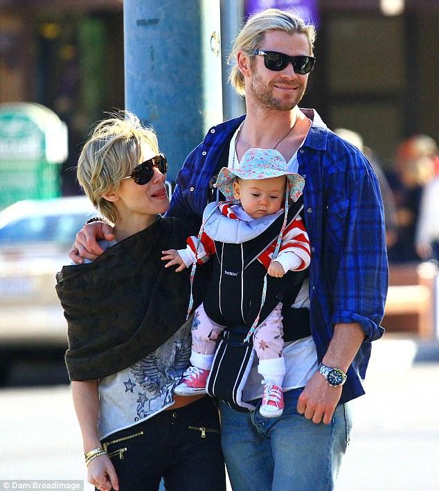 Thor-Chris-Hemsworth-Palm-Springs-02