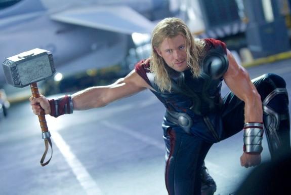 Thor-Chris-Hemsworth-Palm-Springs-04