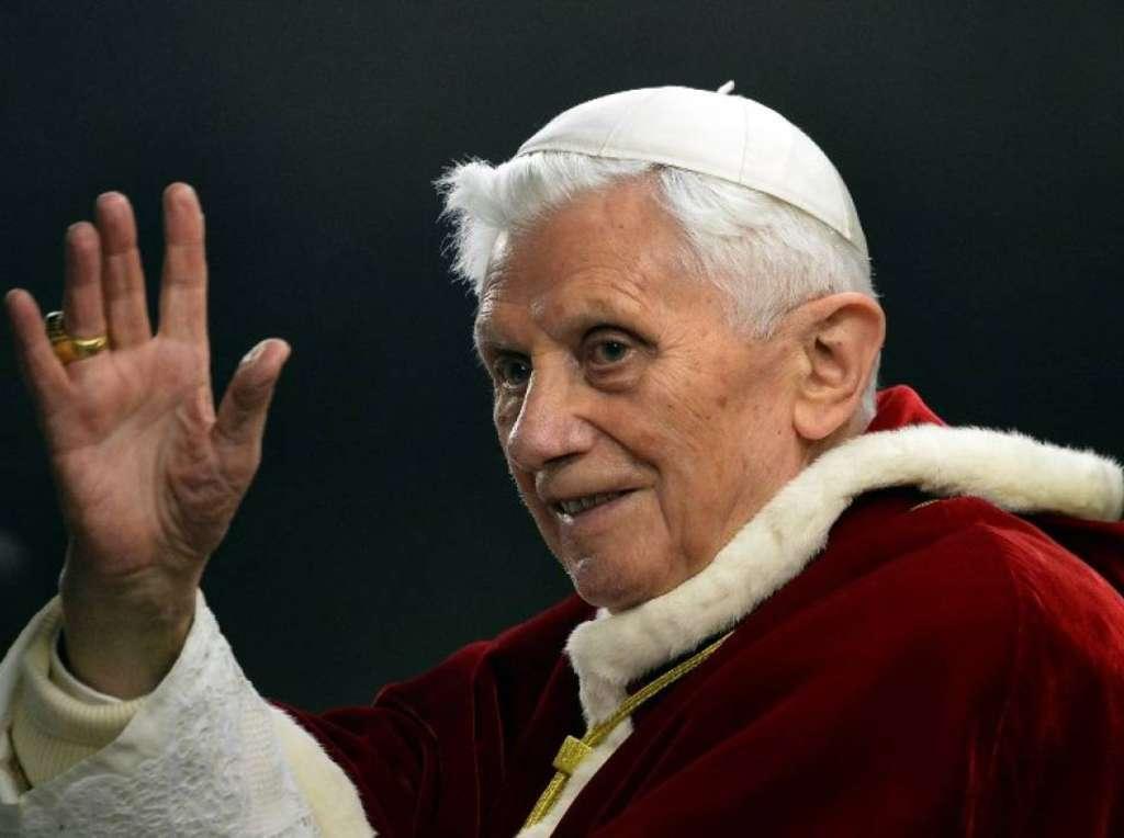 papa-benedetto-XVI-01-abdicare