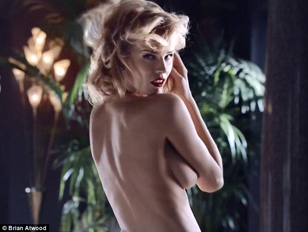 Eva-Herzigova-nuda nel-nuovo-spot-pubblicitario-01