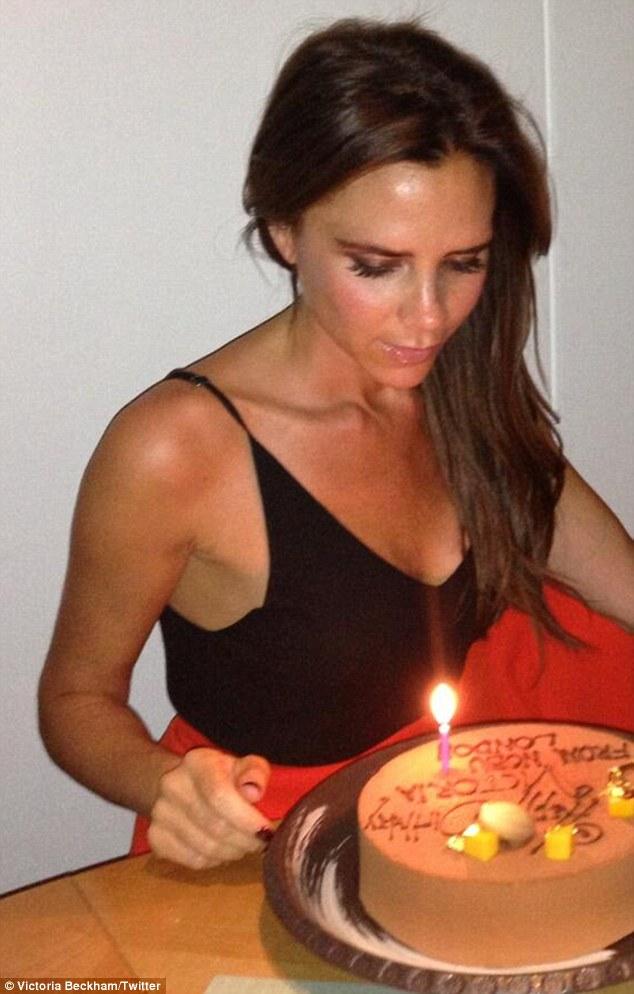 Victoria Beckham  -compleanno-01