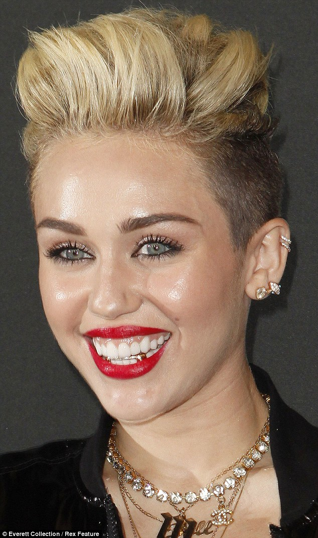 Miley Cyrus, bling