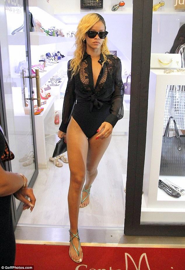 Rihanna shopping montecarlo