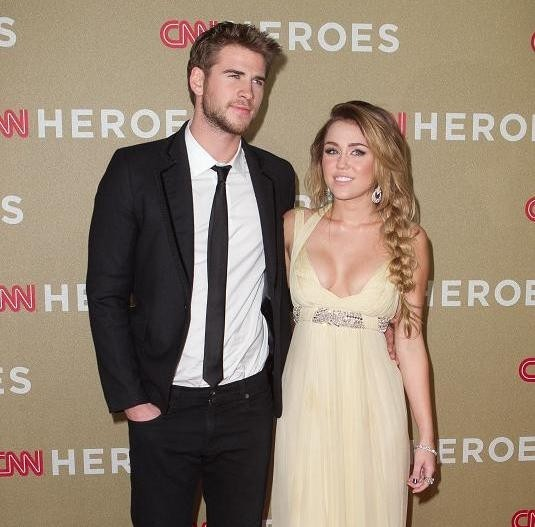 miley-cyrus-e-liam-hemsworth-innamorati-sul-red-carpet