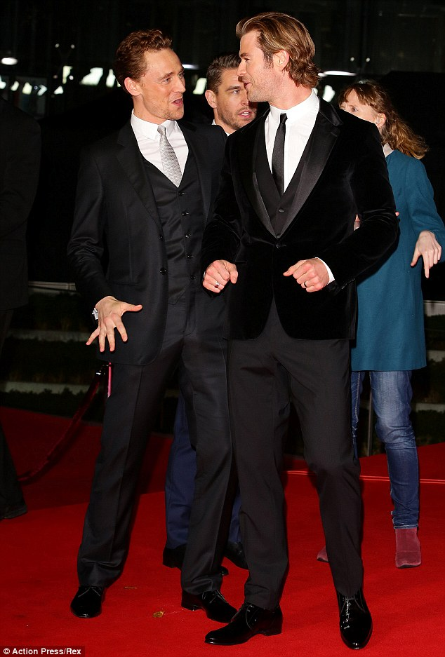 Tom Hiddlestone, Chris Hemsworth